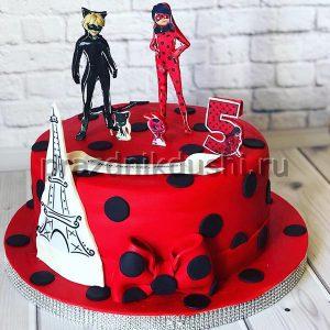 Торт для детского праздника Эйфелева башня