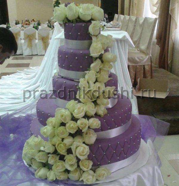 Торт сиреневый с белыми розами