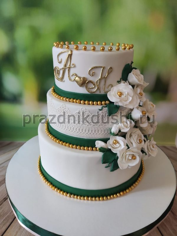Торт свадебный вензели с цветами