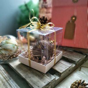 Елочная игрушка из шоколада с начинкой в коробочке
